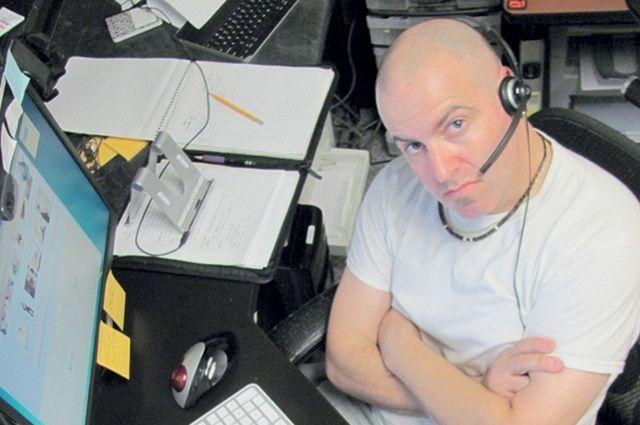 Сотрудники на «удалёнке» часто перерабатывают и самостоятельно оплачивают расходы за телефон и Интернет.