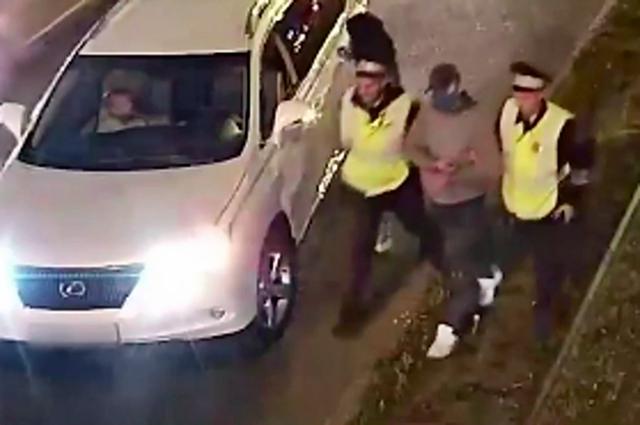 Полицейские задержали подозреваемого в нападении на женщину с ребенком