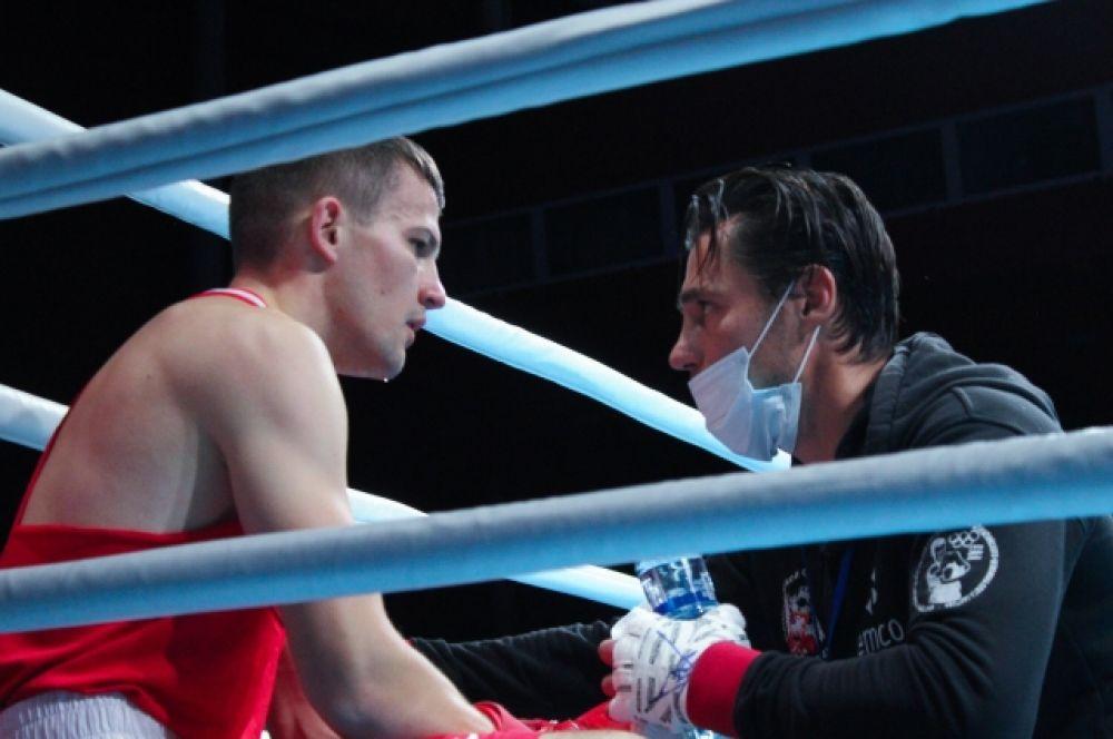 Прямая трансляция чемпионата организована на официальном сайте Федерации бокса России rusboxing.ru и Youtube-канале Федерации.
