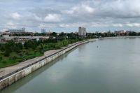 На улице Кубанской Набережной в Краснодаре нередко нечем дышать из-за ужасного запаха канализационных стоков.