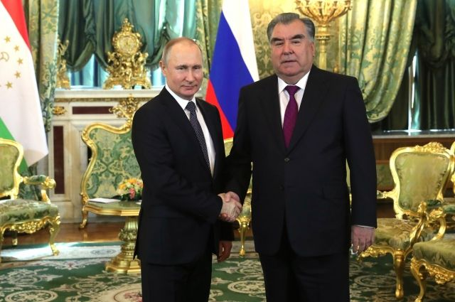 Путин обсудил с президентом Таджикистана карабахский конфликт