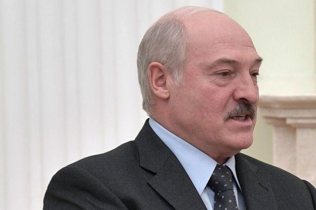 Лукашенко обсудил с главой таможни переориентацию белорусских грузов