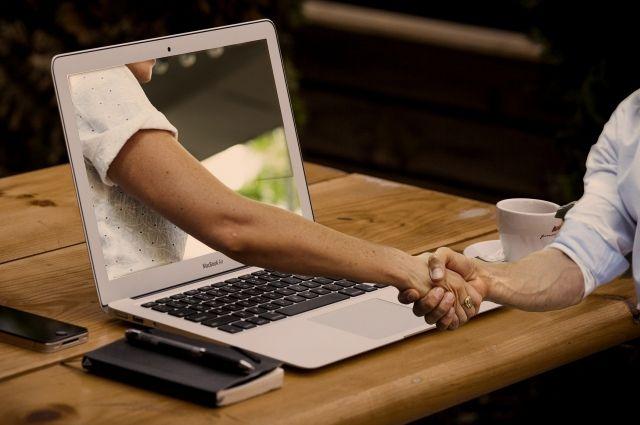 Многие эксперты пророчат переход многих сфер на онлайн-площадки.