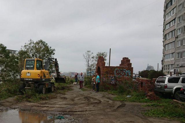 Руины детского городка.
