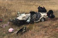 В Оренбургской области в ДТП с большегрузом погибли три человека.