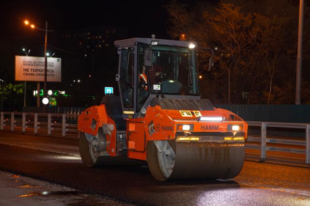 В Оренбуржье сроки дорожного ремонта сдвинут на месяц, чтобы успевать с их завершением.