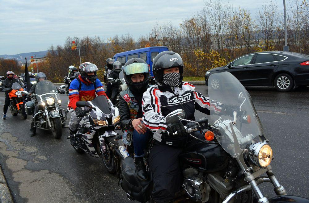 Каждый год права мотоциклистов получают более 80 человек.