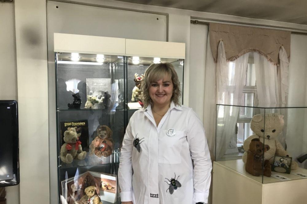 Ольга Дербенёва - мастер Теддист. Один из главных организаторов выставки