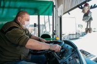 Тюменцы в автобусах стали чаще нарушать масочный режим