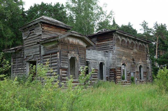 Церкви Михаила Архангела более 100 лет, она нуждается в серьезной реставрации.