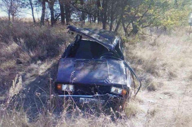 Около Калининска трактор протаранил легковушку с пожилым водителем