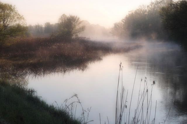 Обнаруженное в воде вещество имеет природное происхождение.
