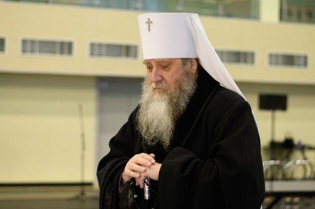Митрополит Вениамин лечится от коронавируса в московском COVID-центре.