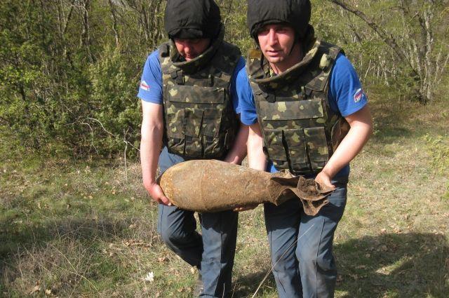 Снаряд обнаружили в с. Первомайское Кировского района.