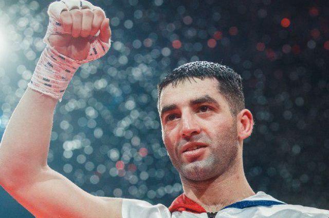 Михаил также сообщил, что из-за болезни пришлось перенести ближайший бой. Он состоится, когда боксера выпишут из больницы.