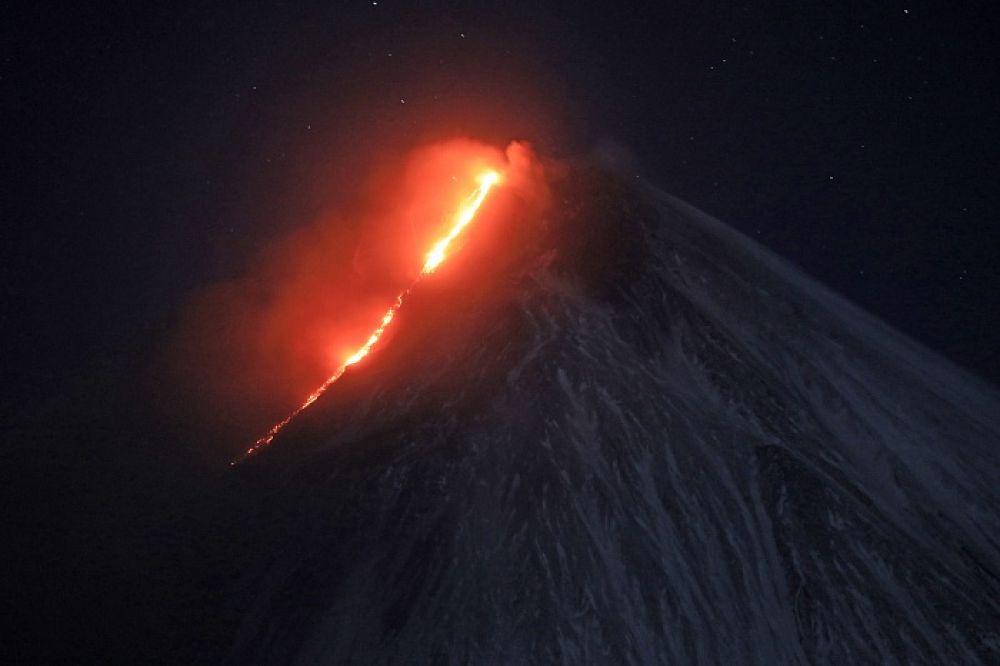 Вулкан активизировался в конце сентября.