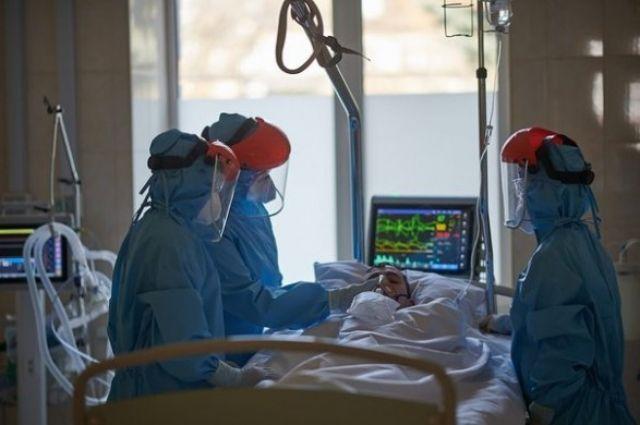 В Киеве и пяти областях больничные койки заполнены на 70 процентов.