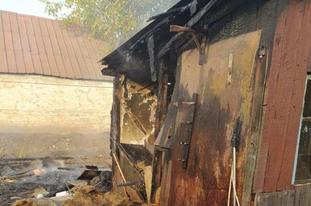 В Харьковской области женщина из ревности подожгла дом соперницы.
