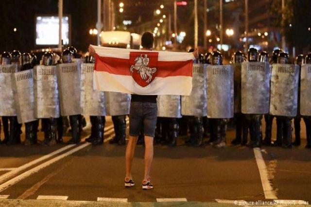 Милиция будет применять огнестрел против протестующих, - МИД Беларуси