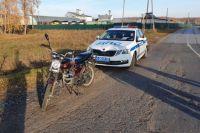 На тюменской трассе задержали пьяного водителя мопеда