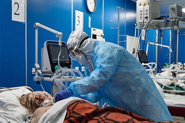 Число пациентов, переносящих COVID-19 в тяжёлой форме, увеличивается день ото дня исоставляет более 1,5тыс. человек в сутки.