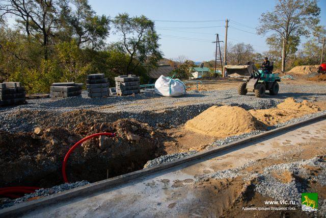 Работы по строительству нового сквера идут полным ходом.