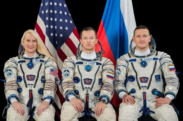 Члены основного экипажа