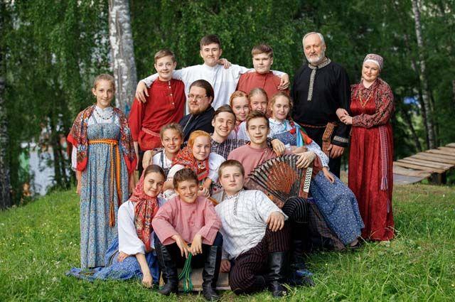 Людмила Климова: «При работе с детьми нужно очень грамотно подходить к выборке материала. Смысл же не в том, чтобы просто восстановить обряд, часть культуры. На основе этой культуры ты воспитываешь детей».