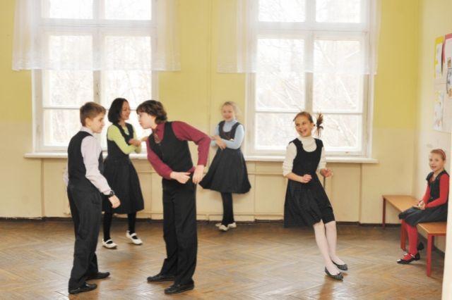 Школьники соскучились по одноклассникам, учителям и учёбе.