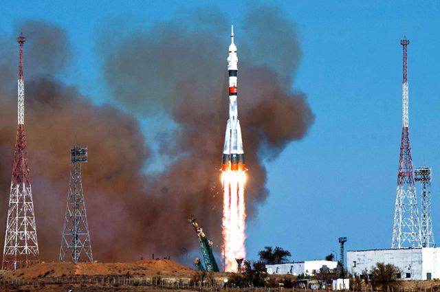 Ракета-носитель «Союз-2.1а» с транспортным пилотируемым кораблем «Союз МС-17» во время запуска со стартовой площадки № 31 космодрома Байконур.