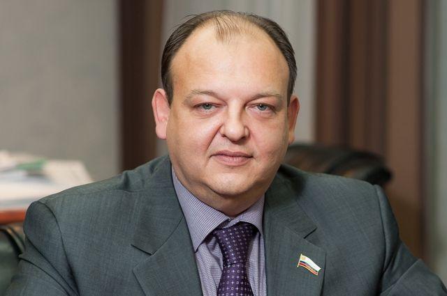 Депутат оренбургского Горсовета Игорь Коровяковский обвиняется в уклонении от уплаты налогов в крупном размере группой лиц по предварительному сговору.