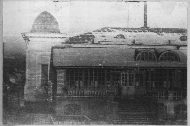 В этом здании Верховный правитель России проживал с декабря 1918 года по ноябрь 1919-го – чуть меньше года.