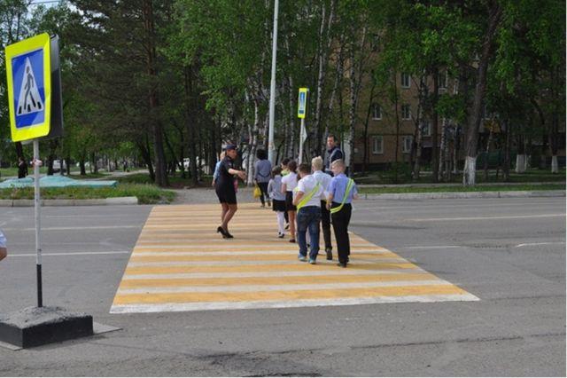 Дети-пешеходы должны научиться видеть всё, что происходит на дорогах.