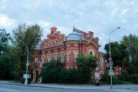 Зданию краеведческого музея на Иркутской набережной ничего не угрожает.