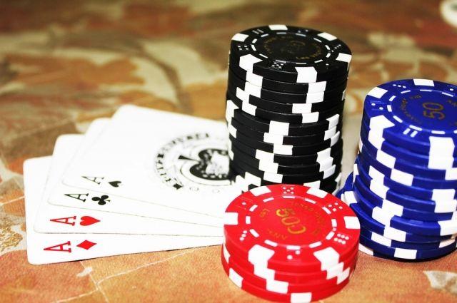 Тюменца оштрафовали на 20 тысяч рублей за проведение азартных покерных игр