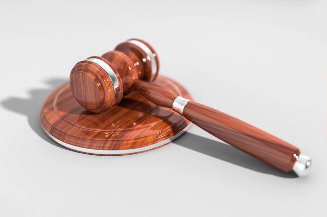 Перед судом предстанет грабитель, избивший женщину на остановке