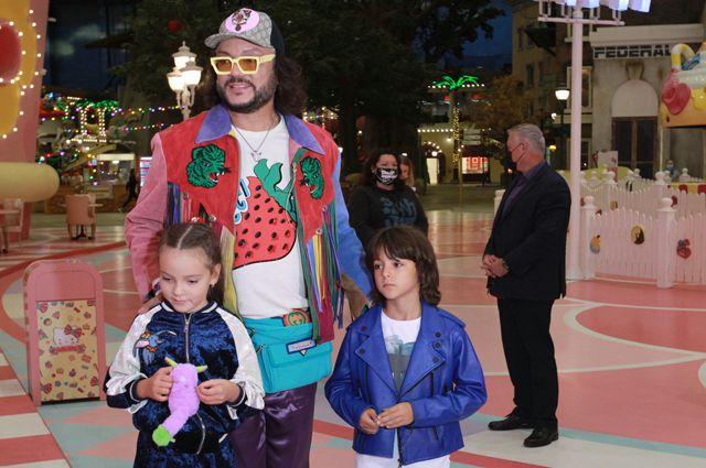 Филипп Киркоров со своими детьми Аллой-Викторией и Мартином.