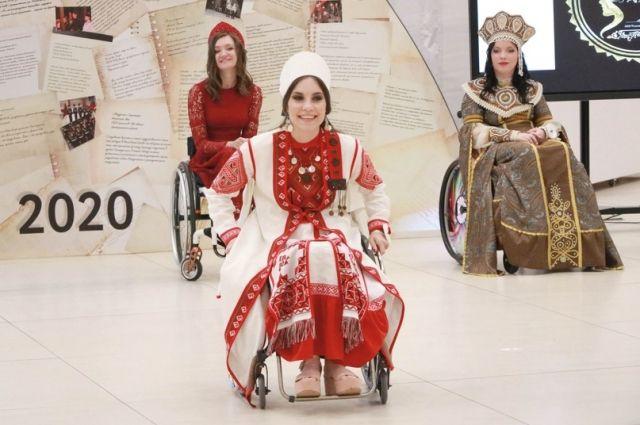 Девушки на колясках - красивые, умные и талантливые.