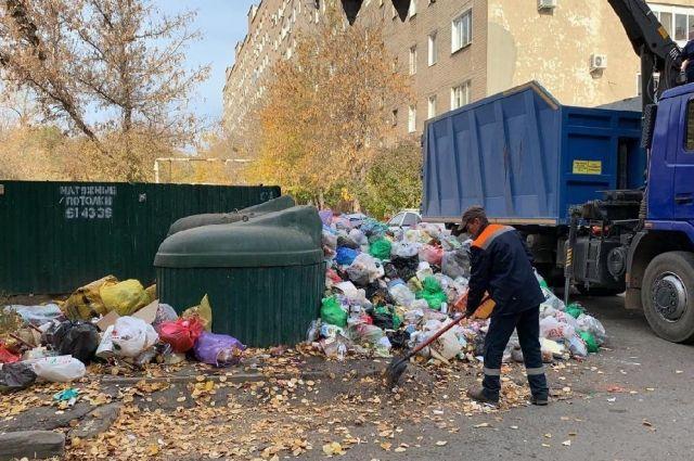 В Оренбурге убрали стихийную свалку во дворах жилых домов на Пролетарской после вмешательства прокуратуры.