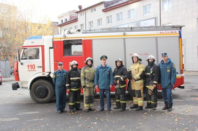 Отряд эвакуировал жильцов пятого подъезда дома.