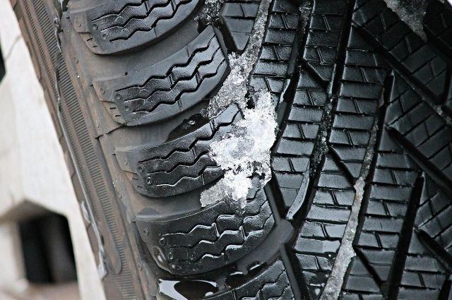 Водителей в Удмуртии предупредили о необходимости сменить резину на зимнюю