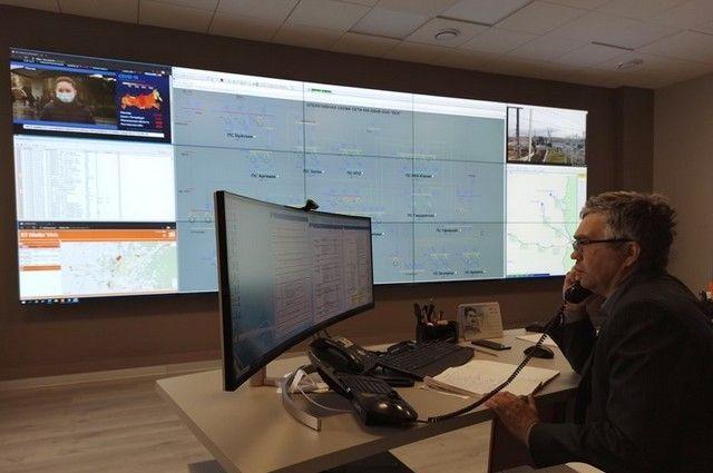 диспетчер ЦУС ООО «БСК» Рамит Гайнетдинов во время дежурной смены.