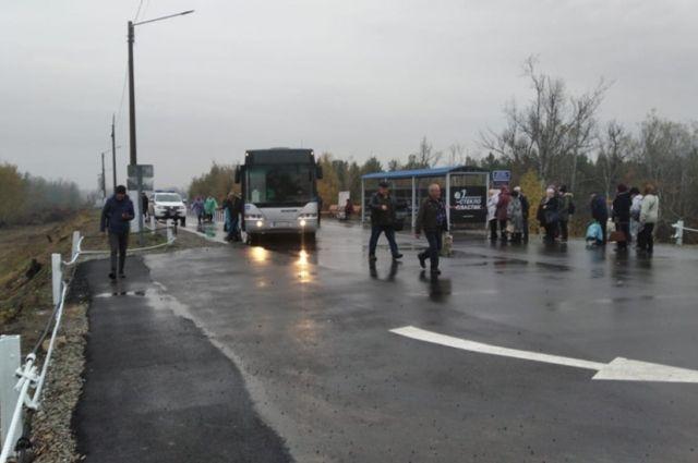 В ОРДО мошенники возле блокпостов маскируются под перевозчиков. Иллюстративное фото.