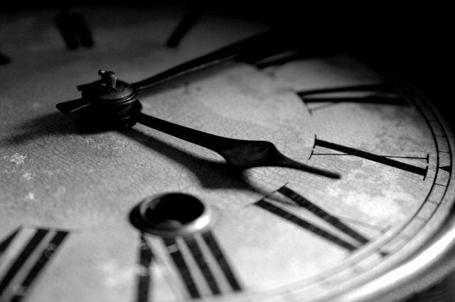Время, отмена! Когда Украина перестанет переводить стрелки