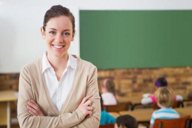 Зарплата учителей в 2021 году будет повышена в два этапа, - Минобразования