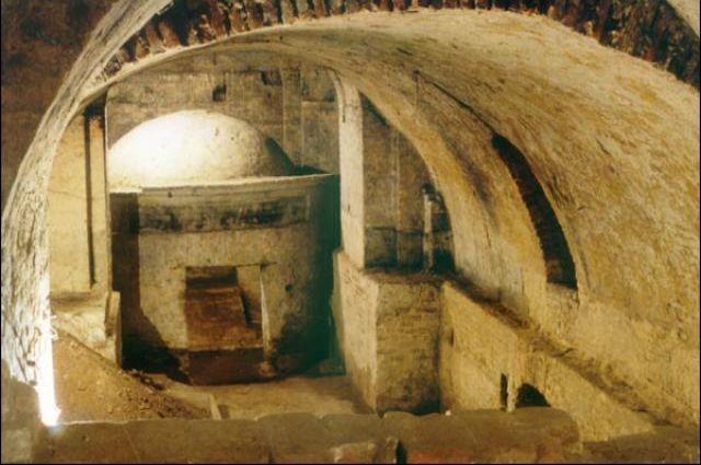 В Луцке археологи раскопали неисследованные ранее подземелья