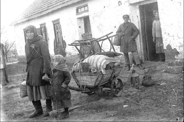 Жителей станицы Полтавской выселяли на Урал, а их хаты занимали семьи красноармейцев.