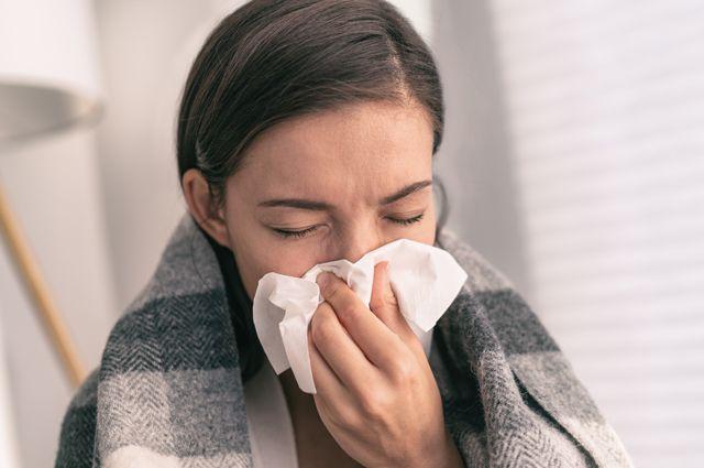 Простуда «на ногах» опасна. Чем чревато легкомысленное к ней отношение?