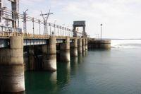 23-летняя девушка, которая упала в Обское море с дамбы ГЭС во время спонтанной фотосессии, скончалась в новосибирской больнице. Эту информацию подтвердили в региональном Следственном комитете и минздраве.