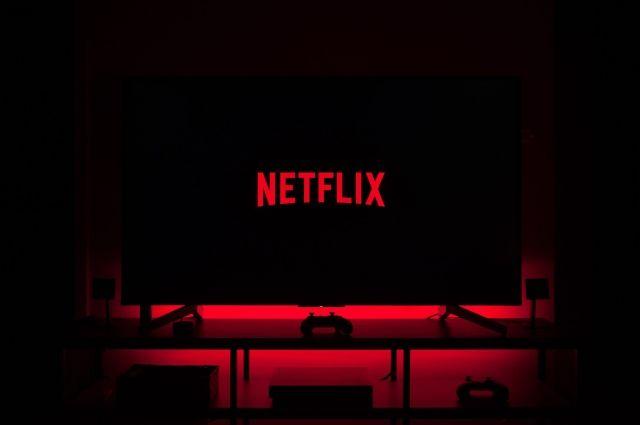 Netflix назвал самые популярные фильмы и сериалы летнего сезона